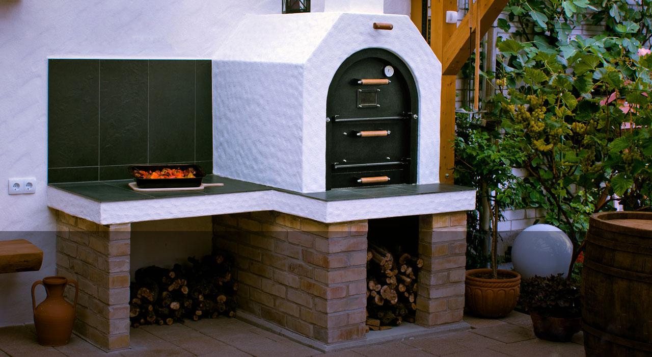 Permalink auf:Holzbefeuerter Steinbackofen